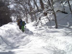 奥鬼怒温泉 加仁湯までスノーシュートレッキング